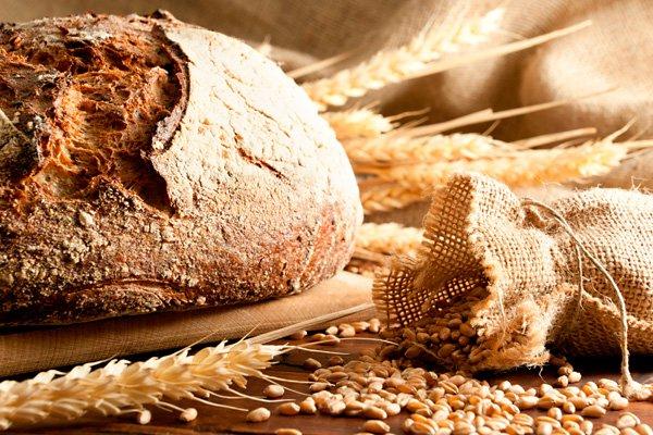 Melyik kenyérben mennyi kalória van?